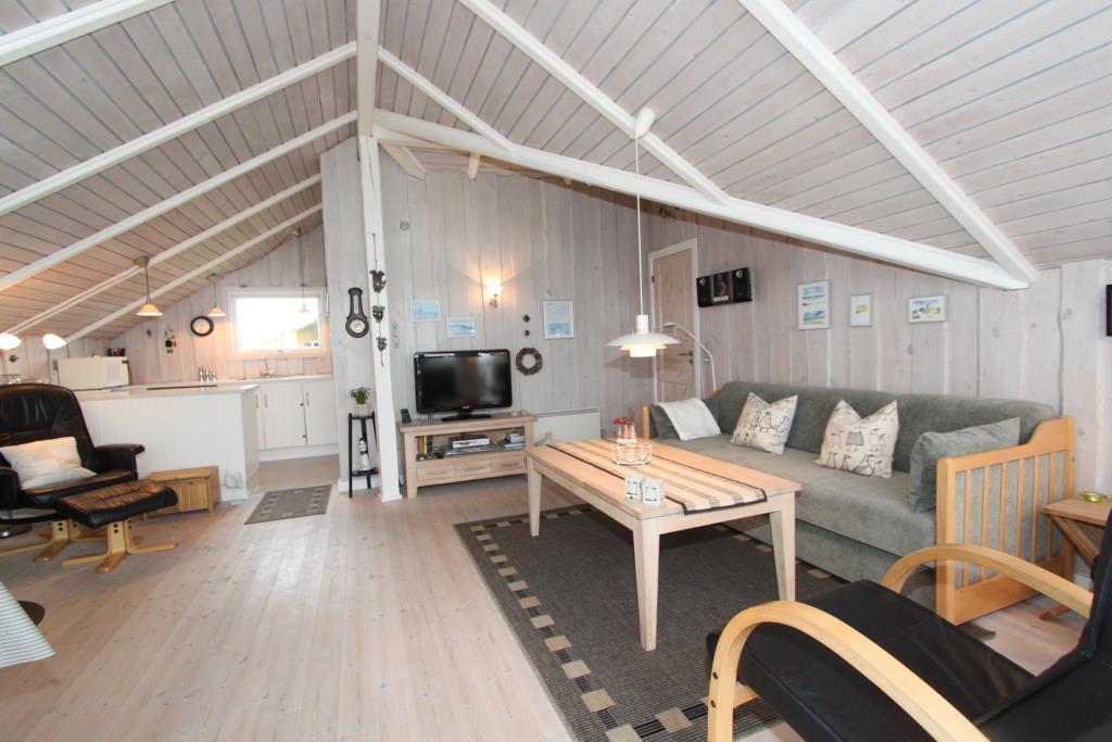 ferienhaus in vejlby klit f r 4 personen mit sauna und. Black Bedroom Furniture Sets. Home Design Ideas